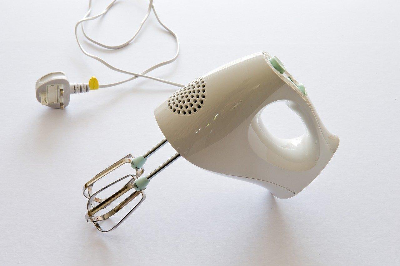 手持式攪伴器 新手必備烘焙工具有哪些?6個烘焙必備的工具 | 沛禮國際 Polit 電子秤專賣
